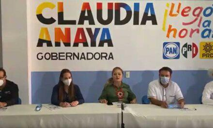 Conferencia Miguel Varela, Lupe Correa, Claudia Anaya